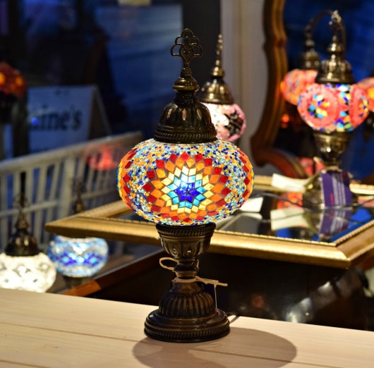 GORGEOUS HANDMADE LARGE 'CROCUS' TURKISH LAMP...$179.00