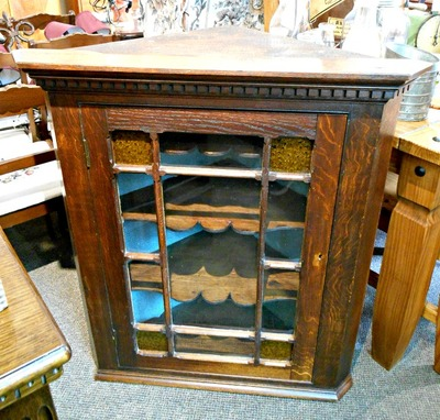 FABULOUS ANTIQUE OAK HANGING CORNER CUPBOARD....$499.00